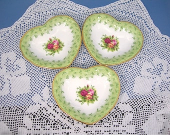Royal Albert Country Roses 3 Heart-shaped Dishes, Vintage White Bone China, Roses Green Rim, 22K Gold Trim, Tea Parties, Weddings, Buffets