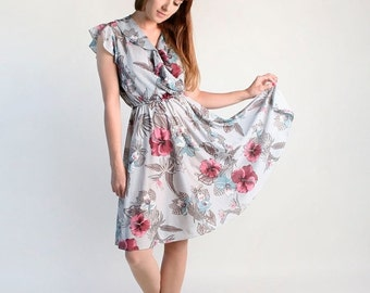 ON SALE Vintage 1970s Dress - Sheer Floral Grey Hibiscus Flower Dress - Medium Large