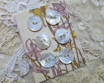 Vintage Carved Mother of Pearl, MOP Buttons, 6 ... Matching Shell Button Lot