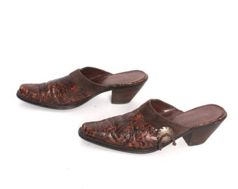 size 9 CLOGS brown leather 80s 90s BOHEMIAN high heel slip on southwest MULES