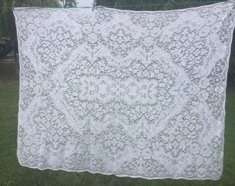 Vintage White Floral Lace Tablecloth