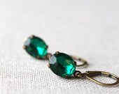 On SALE / CIJ Sale / Emerald Green Vintage Glass Earrings / Dainty Vintage Wedding Jewelry / Vintage Jewel Dangle /May Birthstone Earrings /