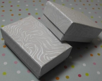 Pre Holiday Stock Up Sale 100 Pack of 2.5X1.5X1 Inch Size White Swirl Cotton Filled Jewelry Gift Merchandise Boxes