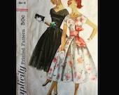 Vintage 50s Cummerbund Obi Waistline Full Skirt New Look Party Dress Wounded Bird Sewing Pattern 1984 B34