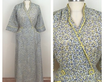 40s Lyn Delle Gray Yellow Print Dressing Gown Robe, Small to Medium