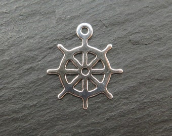 Sterling Silver Ship's Wheel Pendant 17mm (ET8070)