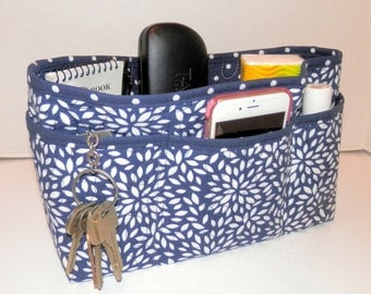 Quilted Purse Organizer Insert With Enclosed Bottom Large - Navy and White  Floral Burst