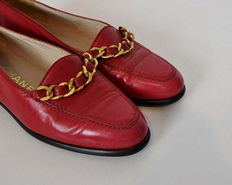 chanel loafers / Vintage 1980's Chanel Gold Chain Red Loafers Shoes