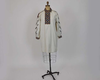 20s dress / Vintage 1920's Hand Embroidered Romanian Boho Peasant Dress