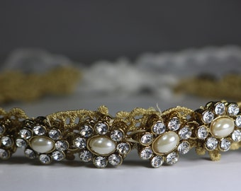 Bridal Headpiece .. Gold Pearl Crystal Bridal Wreath ..Bridal Wreath. Great Gift for Her.. Daisy Headband .. Crystal Floral Bridal Wreath