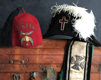 Antique Leather Trunk Filled With Antique Knights of Templar Hats, Sash, Fez, Sash, Accessories, Vintage Secret Society