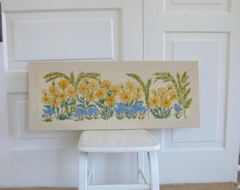 Vintage Floral Embroidery, Vintage Crewel Work, Needlework, Daisy Embroidery, Art