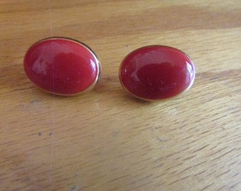 red oval clips