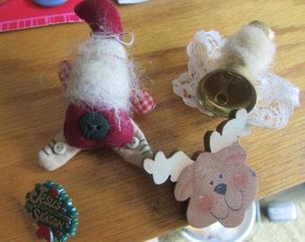 folk art christmas brooches