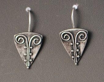 Kavi Earrings