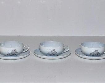 Bing & Grondahl Copenhagen Falling Leaves Tea Cups and Saucers Set, circa 1960