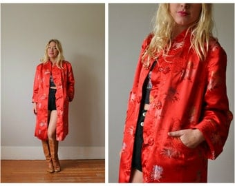 1970s Crimson Kimono Robe >>> Size Small to Large
