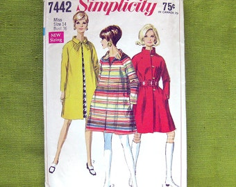1960s Vintage Sewing Pattern Simplicity 7442 / Mod Tent Coat with Stand Up Collar / Size 14