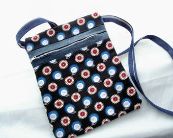 Crossbody Purse, Travel Bag with assorted coin purse, Zippered Shoulder bag,  Owls and Flowers