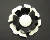 Large Black and White Vintage Flower Brooch Costume Jewelry P7022