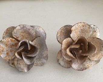 Chippy Rusty Metal Roses Door Pulls - Shabby Chic Decor - Pair of Roses