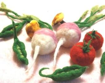 Waldorf set of 10 felted Vegetables, play food, pretend veggies, soup set, turnip, mushroom, peas, pea-pod, tomato, crops, farming toys, red