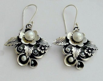 Pearl earrings, bridal earrings, botanical earrings, sterling silver earrings, leaf earrings, simple floral earrings - After the rain E2154