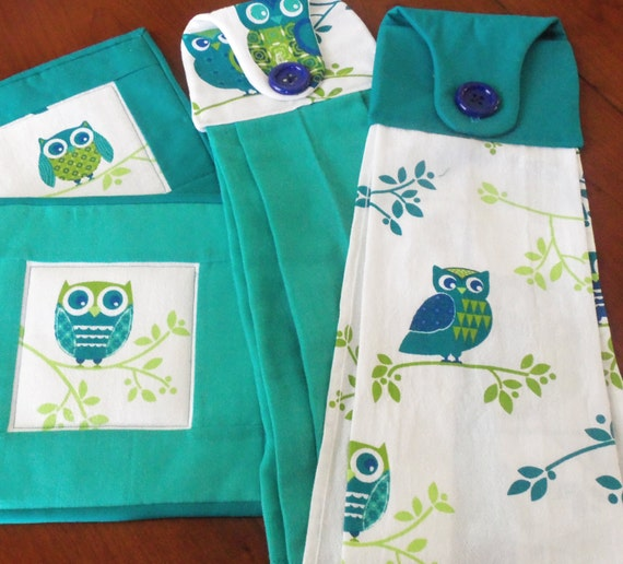 Hanging towels and quilted pot holder set owl kitchen set teal for Quilted kitchen set