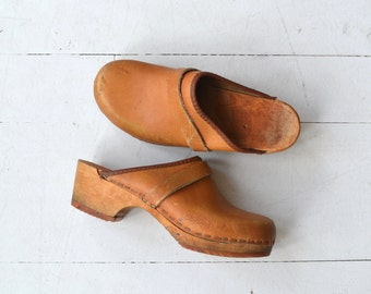 Olaf's Daughter clogs | vintage 1970s leather clogs | 70s swedish wooden clogs 5.5