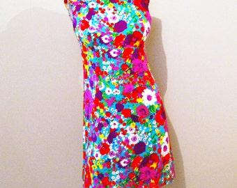 Vintage Tia Groovy Pop Flowers Hawaiian Mini Dress