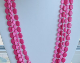 """Pretty Vintage Shades of Pink Plastic Beaded Long, Multi-Strand Necklace, 48"""" (AH8)"""