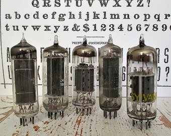 SeT of FiVe ViNTaGe GLaSS RaDiO TuBeS - GReaT FoR ASSeMBLaGe/ALTeReD ArT/MiXeD MeDiA No. #19