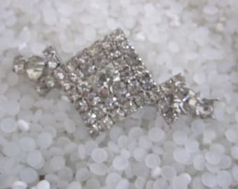 vintage barrette Hair clip beautiful pronged rhinestones , hollywood glamour, SALE