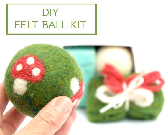 Needle Felting Kit Beginner - Felted BALL Kit - Wool Woodland Dryer Ball Kit - DIY Craft Kit - Children - Waldorf Kids Toy Kit - Toadstool