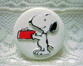 Snoopy Food Dish Plastic Sewing Button Peanuts Gang Charles Schulz