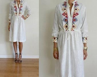 vtg Ivory ETHNIC EMBROIDERED Button Front Tie Waist COTTON Dress M
