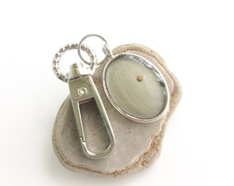 mustard seed faith keychain - decorative mustard seed silver oval resin keychain key chain