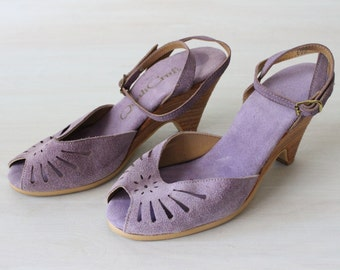 Vintage Lilac Purple Peep Toe Wedge Strappy Shoes / Suede / Size 5