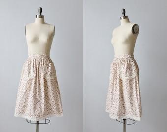 Vintage 1950s Skirt / 50s Skirt / Swing Skirt / Rosebud Print Skirt / Midi Skirt