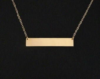 Celebrity Nameplate Necklace in 14kt Gold