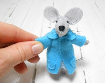 christmas kids gift children birthday Felt brooch animal mouse teen gift kids gift under 25 woodland jewelry light blue gray