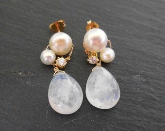 Gold Earrings Princess - Rainbow Moonstone - Gold Filled