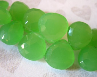 Shop Sale.. 2 5 10 pcs, GREEN CHALCEDONY Heart Briolettes, Luxe AAA, 10.5-12 mm, Peridot Granny Apple Green, august birthstone 1012 solo