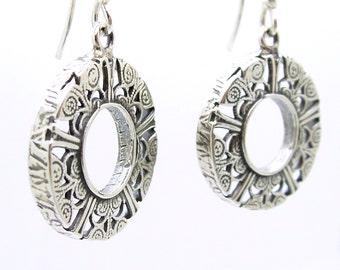 Round dangle filigree silver earrings