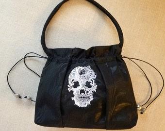 Hallow's Evening Sterling Skull Bag