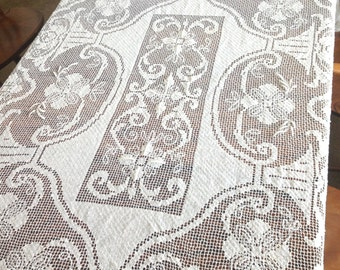 Filet Lace Tablecloth in Cream Cotton 62 x 76