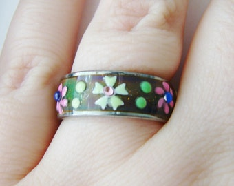 Vintage silver mood ring with flower and crystal accents- size 8