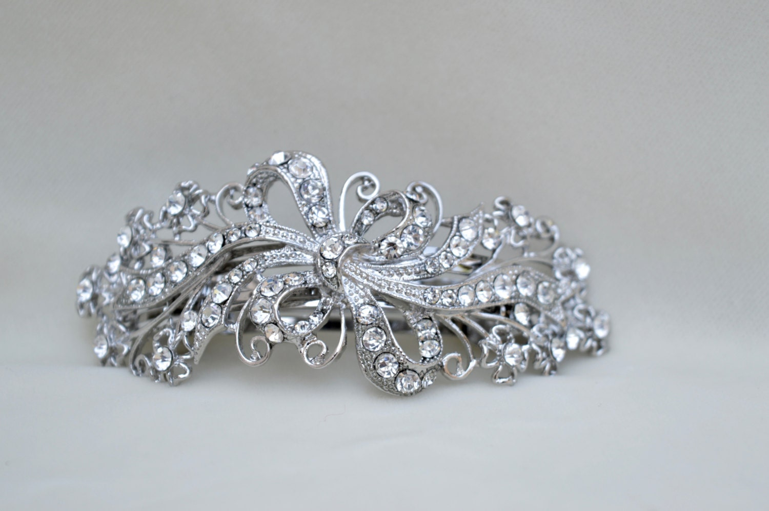 Women Girls' Pearl Rhinestone Hair Clip, Suit for Wearing in Yeshan Rhinestone and Crystal Alloy Jaw Hair Clips, Retro Butterfly Mini Hair Claw Clip Hair Accessories For Women Girls,Pack of 6. by Yeshan. $ $ 10 90 ($/Count) FREE Shipping on eligible orders. out of 5 stars