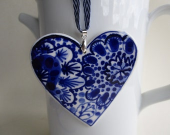 Handpainted Porcelain  Heart -  Dark Blue and white Delftware Christmas decoration/ wall hanging