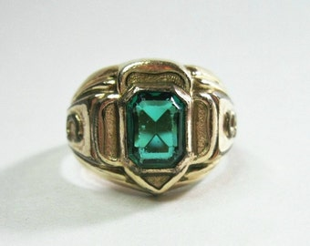 Vintage 1950s Girl Scouts Ring - Emerald Green Stone - GS - Trefoil - Gold Filled - Size 6